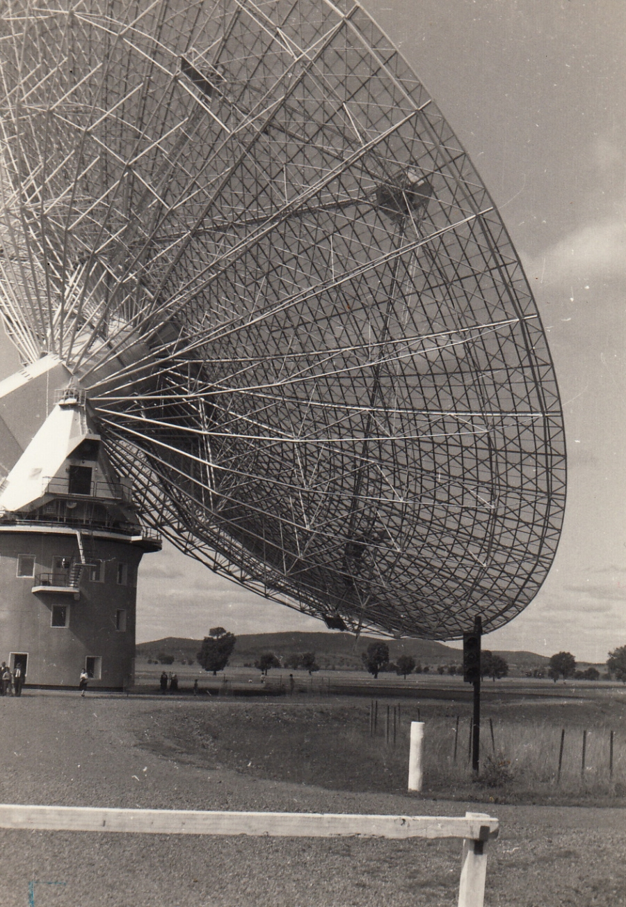 Parkes radio telescope-BW2